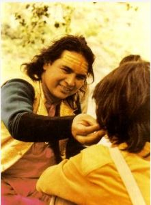 Babaji vrolijk